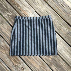 5/$25 Forever 21 Striped Skirt